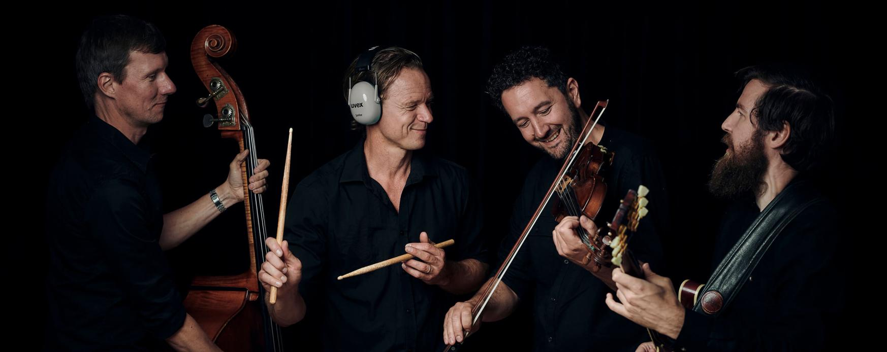 Stream on nipalive.ax with Bjarke Falgren