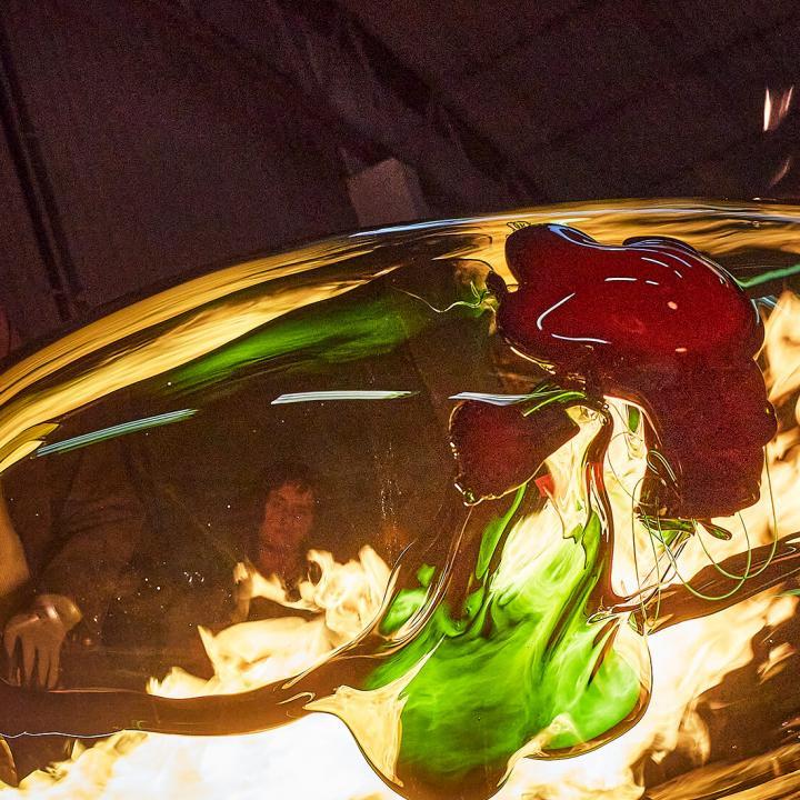 Digital exhibition with Björn Friborg, glassartist, at nipa.ax. Photo: Hans Runesson