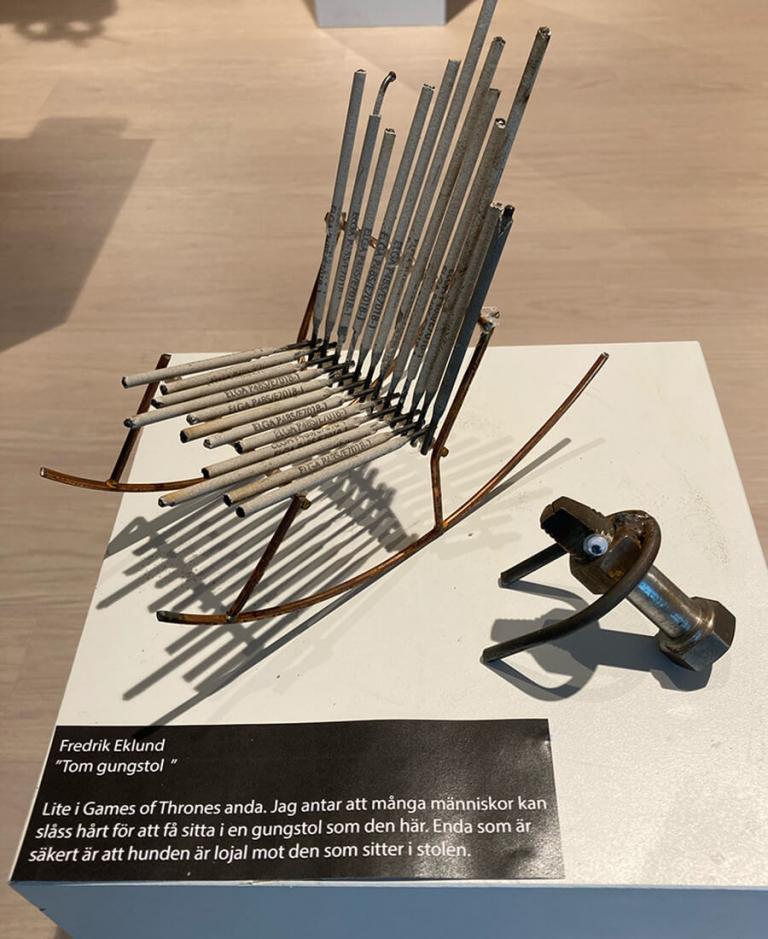 Art made by Fridrik Eklund. An empty rockingchair.