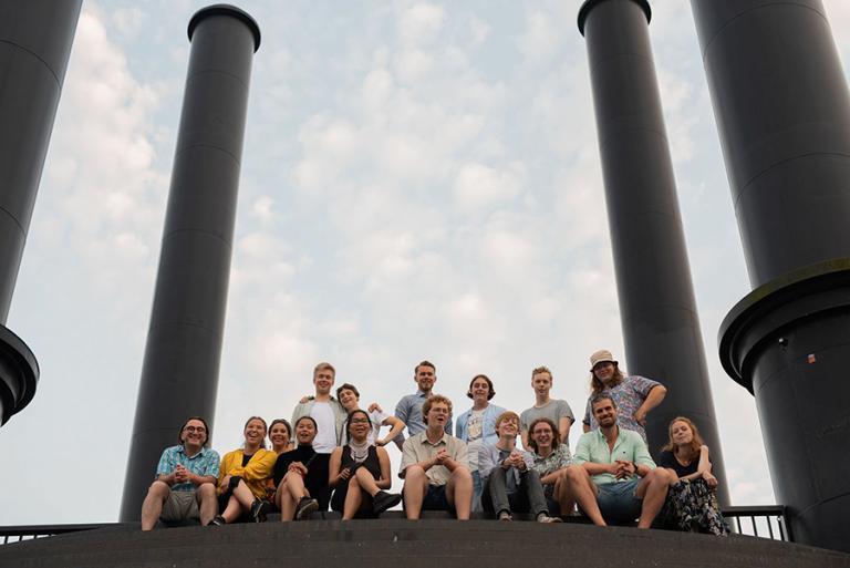 Gruppbild av ungdomarna med i Young Nordic Stars 2019-2020