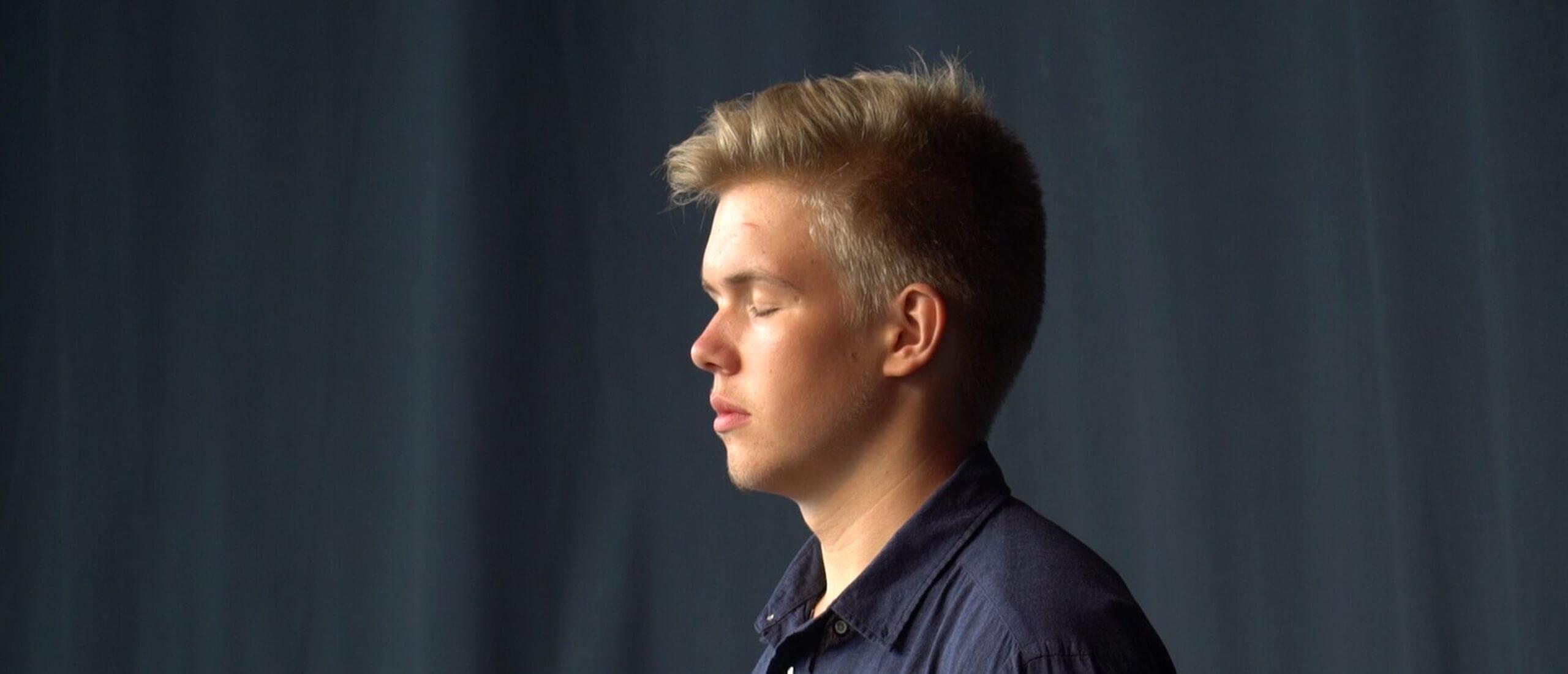 Nordens institut på Åland presenterar Young Nordic Stars på Grönland. Jack Sundström på bild.