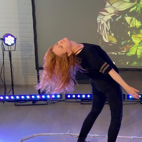 Bild av Karolin Nyman som var dansare på Nordens institut på Åland vid Moving pARTs